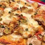 Kartoffelpizza med artiskok