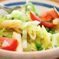 pastasalat med spidskål