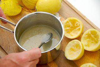 den færdige lemonade blandes sammen
