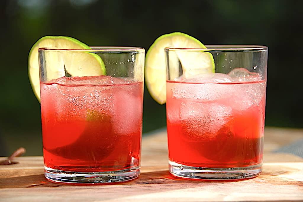 billede med drinks til studenterfesten sommerdrinks