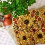 Blomsterfocaccia brød