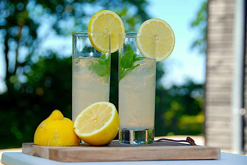 Lemonade - opskrift på hjemmelavet citronlemonade