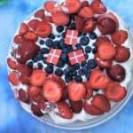 Sukkerbrødskage med jordbær