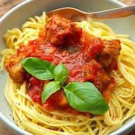 billede med pasta med kyllingekødboller