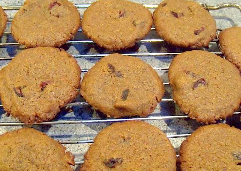 Småkager med lakrids og tranebær (35 stk.)