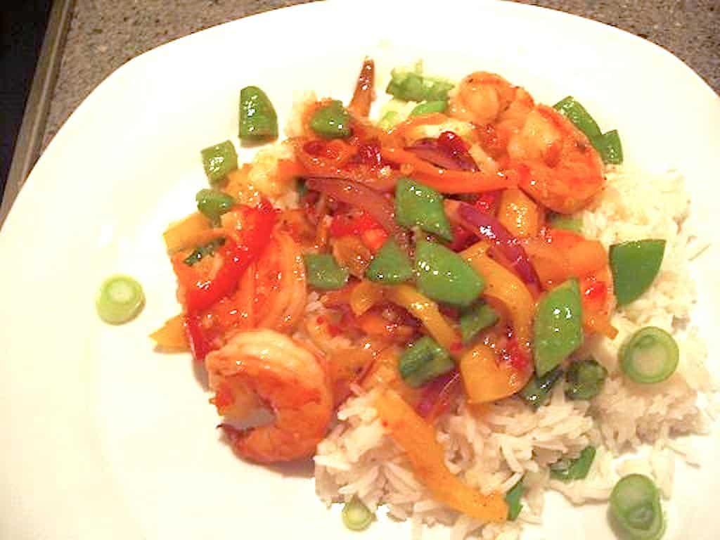 Tigerrejer og grønsager i chilisauce (til wok eller pande)
