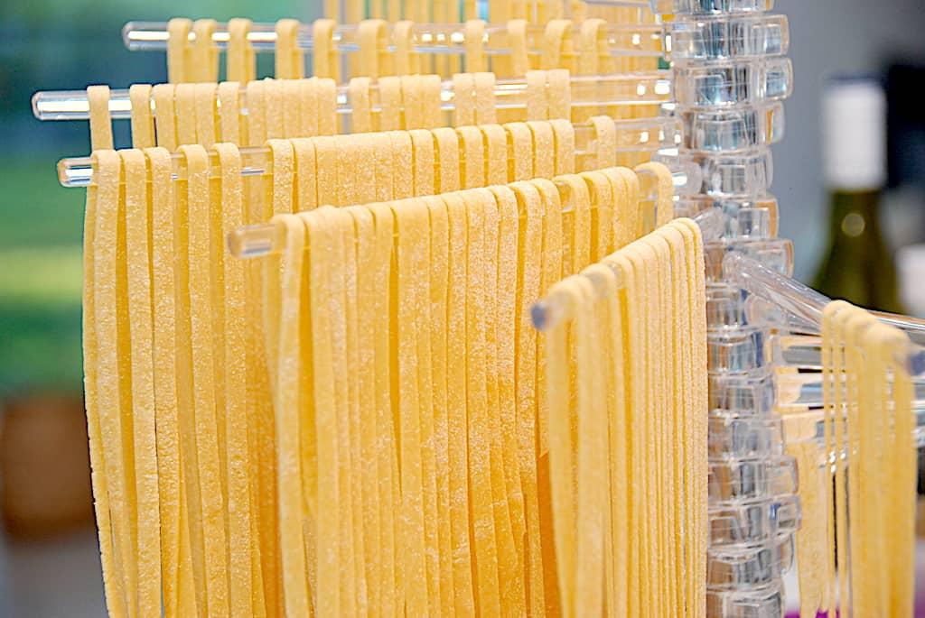 Hjemmelavet pasta opskrift med eller uden pastamaskine