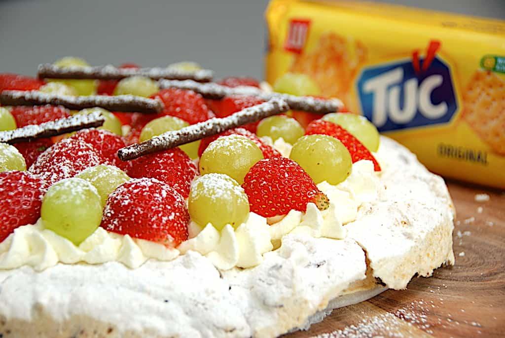 Tuc kage - opskrift på lækker kage med Tuc kiks