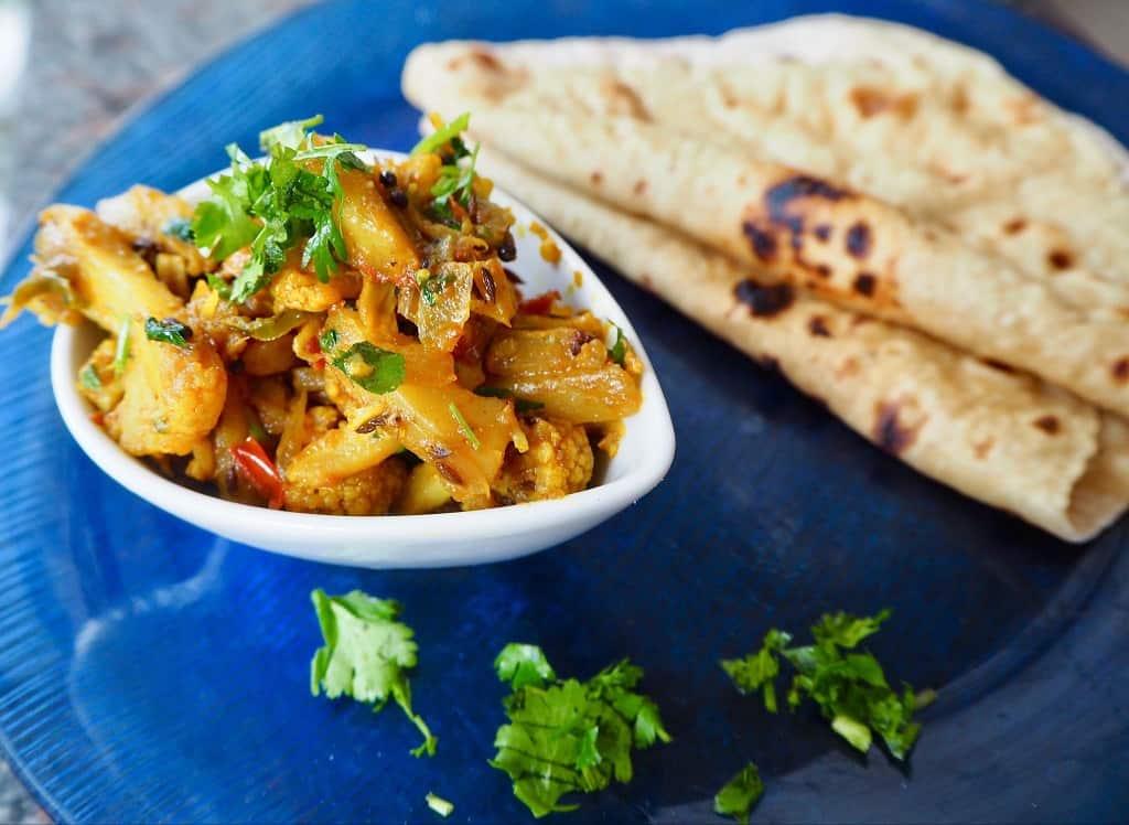 Aloo gobi - Indisk ret med blomkål og kartofler