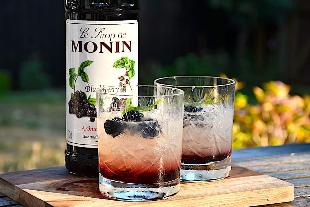 Bramble - lækker cocktail med brombær og gin