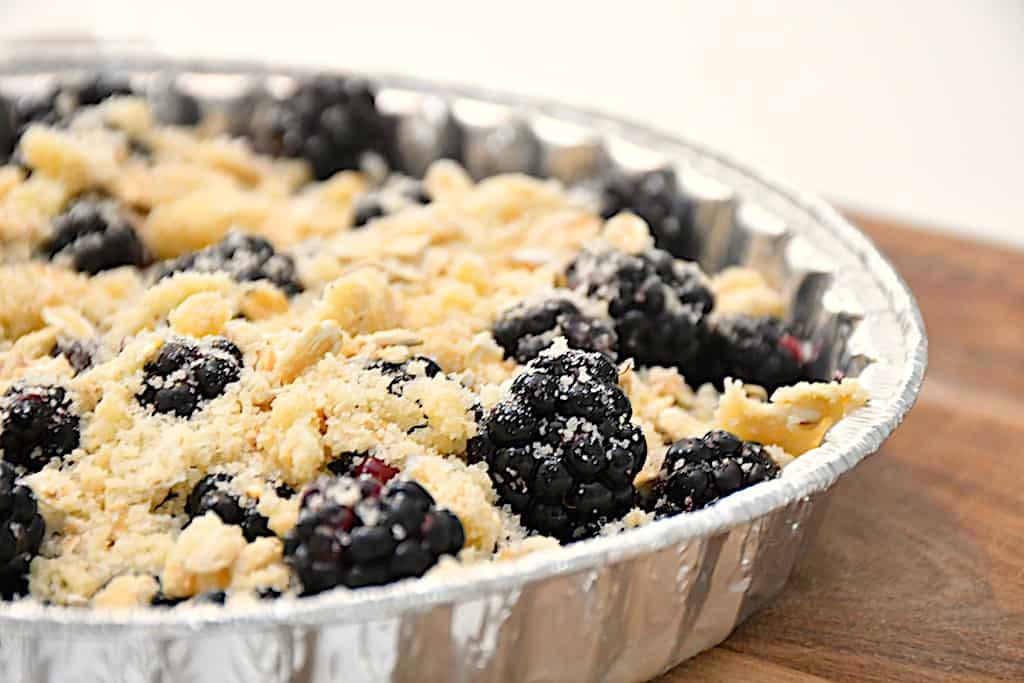 Brombærcrumble - lækker kage med friske brombær