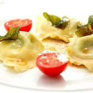billederesultat for ravioli med skinke og salviesmør