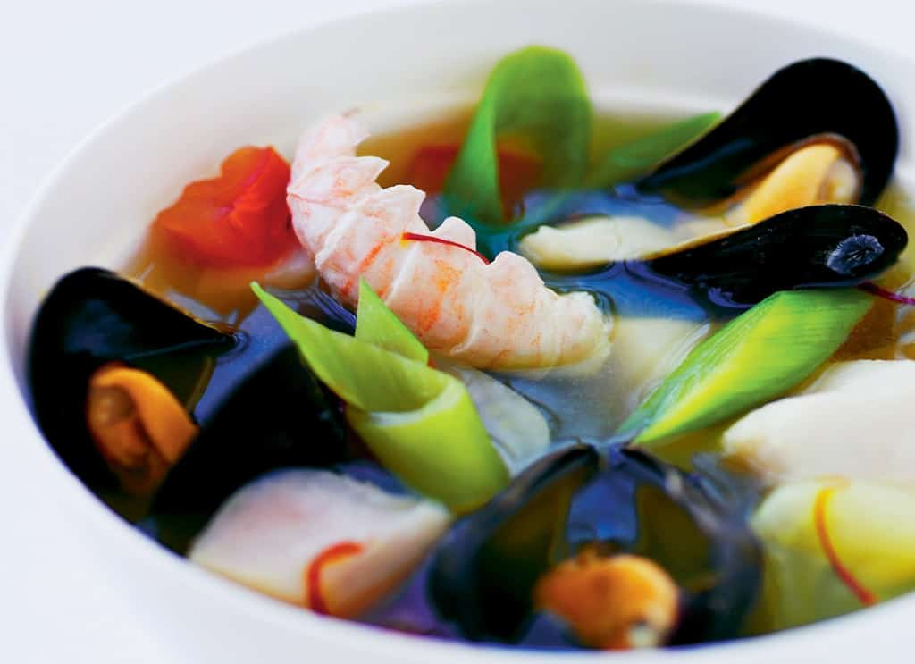 Bouillabaisse - opskrift på legendarisk fiskesuppe