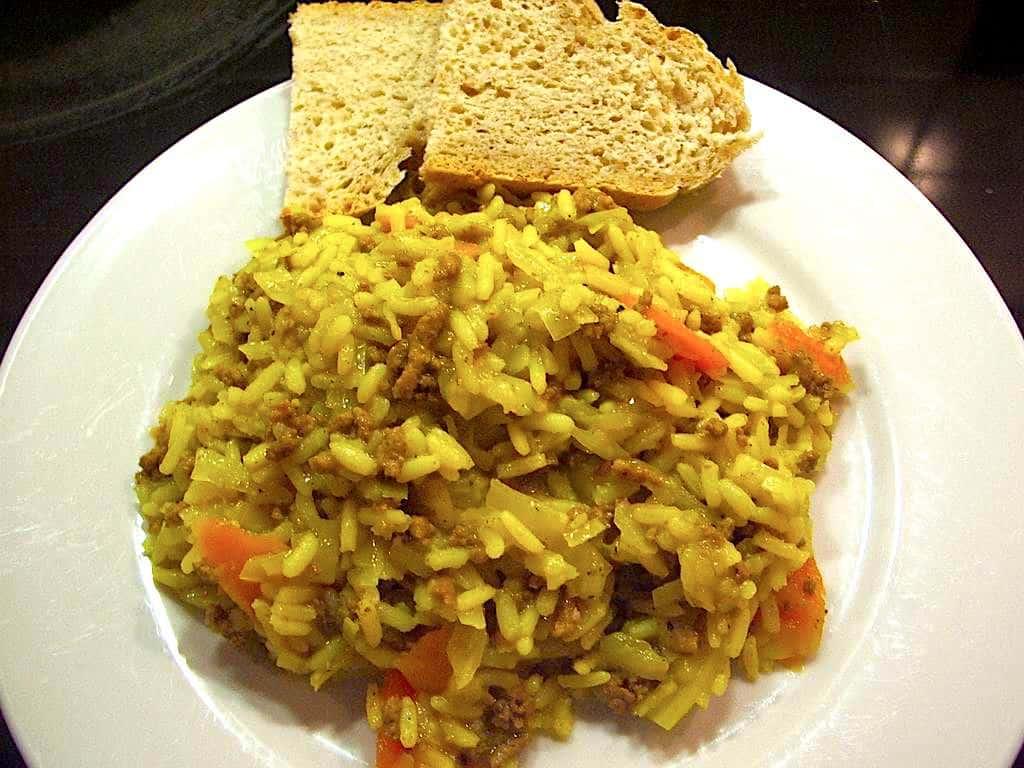 Gisou - lækker hvidkålsgryde med oksekød og ris