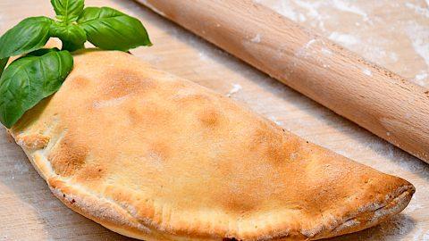 pizza calzone indbagt