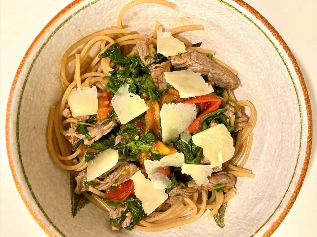 Straccetti med pasta - autentisk pastaret fra Rom