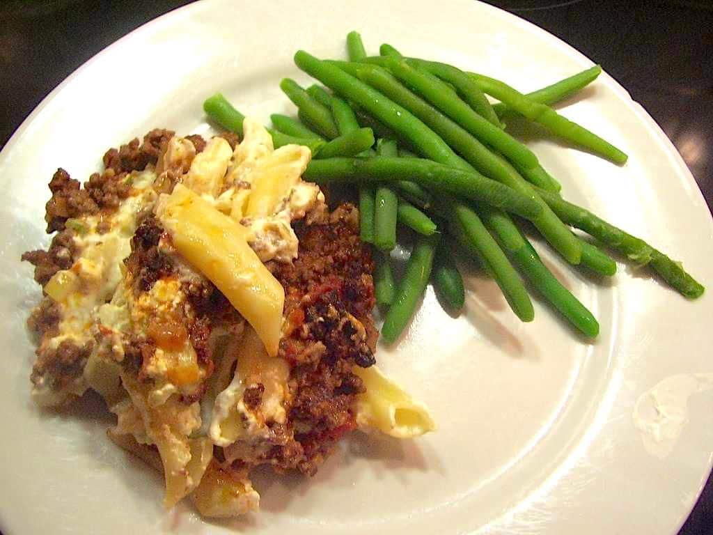 Casserole med oksekød og pasta (nem ret til ovn)