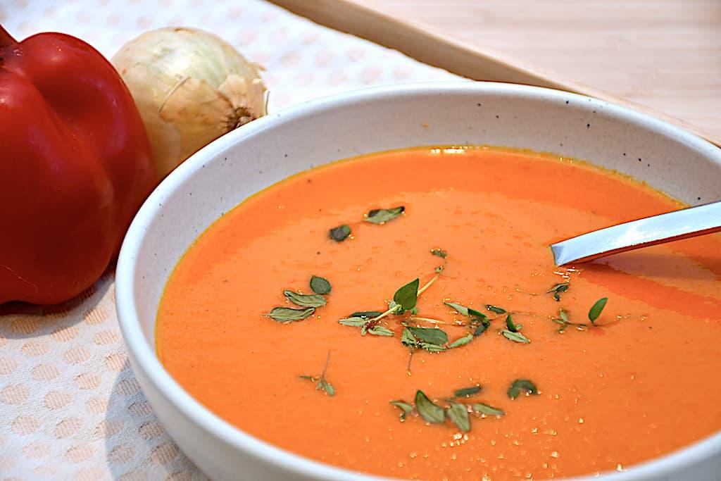 Paprikasuppe - nem suppe med peberfrugter og paprika