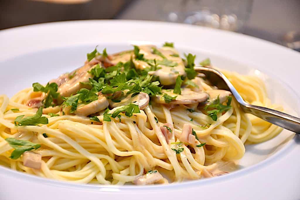 Pasta funghi - nem og kødfri pastaret med svampe