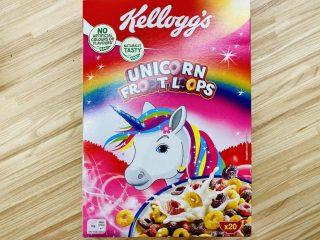 Pakken med Unicorn Froot Loops er et farveorgie af pastel og glimmer, der tiltaler ethvert barn i den lyserøde prinsesse-alder. Men vær opmærksom på det høje sukkerindhold. Foto: Charlotte Mithril / Madensverden.dk