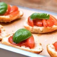 billederesultat for bruschetta med tomat