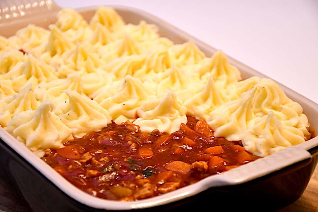billederesultat for Ellas kødsovs med kartoffelmos i fad