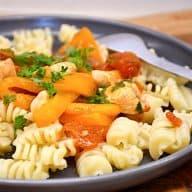 billederesultat for kylling med gule peberfrugter og pasta