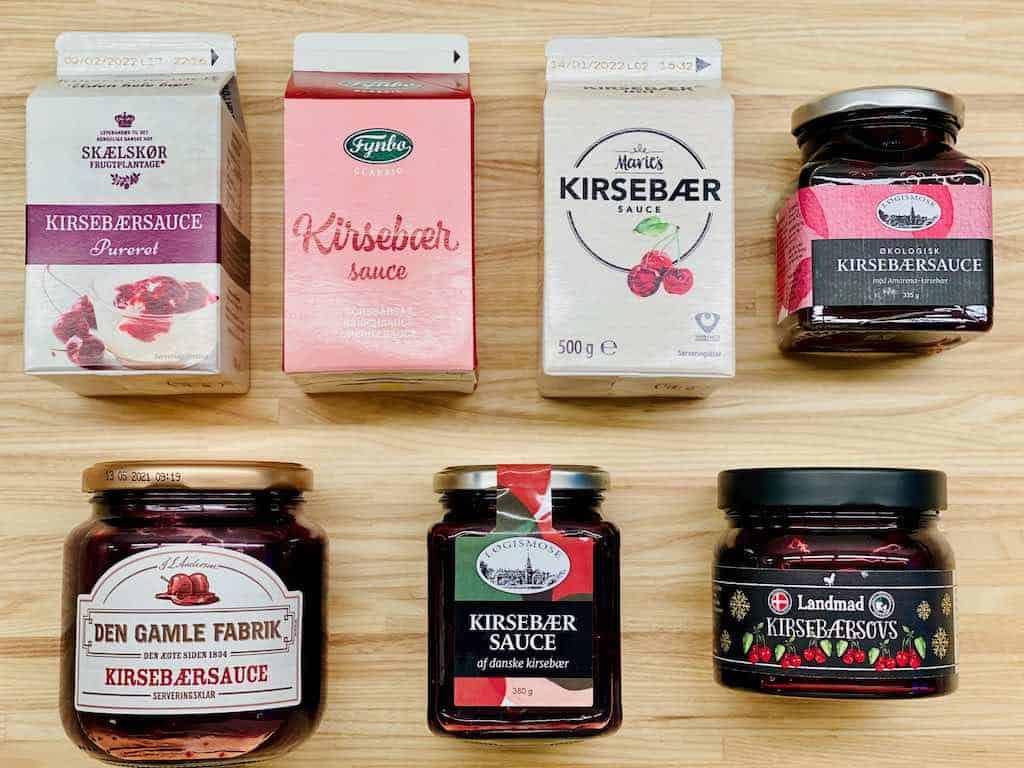 Kirsebærsauce hører julens risalamande til. Men hvilken skal du vælge? Vi har testet syv forskellige varianter og fundet den bedste i denne smagstest af kirsebærsauce. Foto: Charlotte Mithril / Madensverden.dk