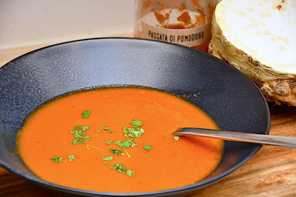 billederesultat for suppe med tomater og selleri