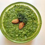 Grønkålspesto i skål