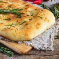italiensk focaccia brød med rosmarin