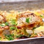 billederesultat for kylling med porrer og bacon i fad