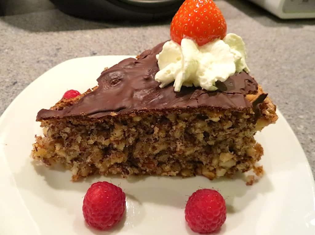 billederesultat for nøddekage med chokolade