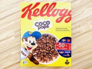 Kellogg's Coco Pops er små sprøde, ristede ris overtrukket med kakao, så mælken forvandles til kakaomælk i morgenmadsskålen. Men pas på det høje sukkerindhold. Foto: Charlotte Mithril