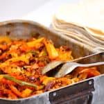 fajitas med kylling og peberfrugt
