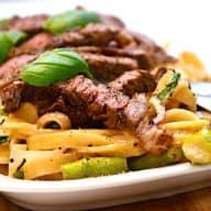 ribeye med pasta og asparges