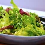 salat med olie og eddike dressing