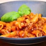 alt i en gryde bolognese pasta
