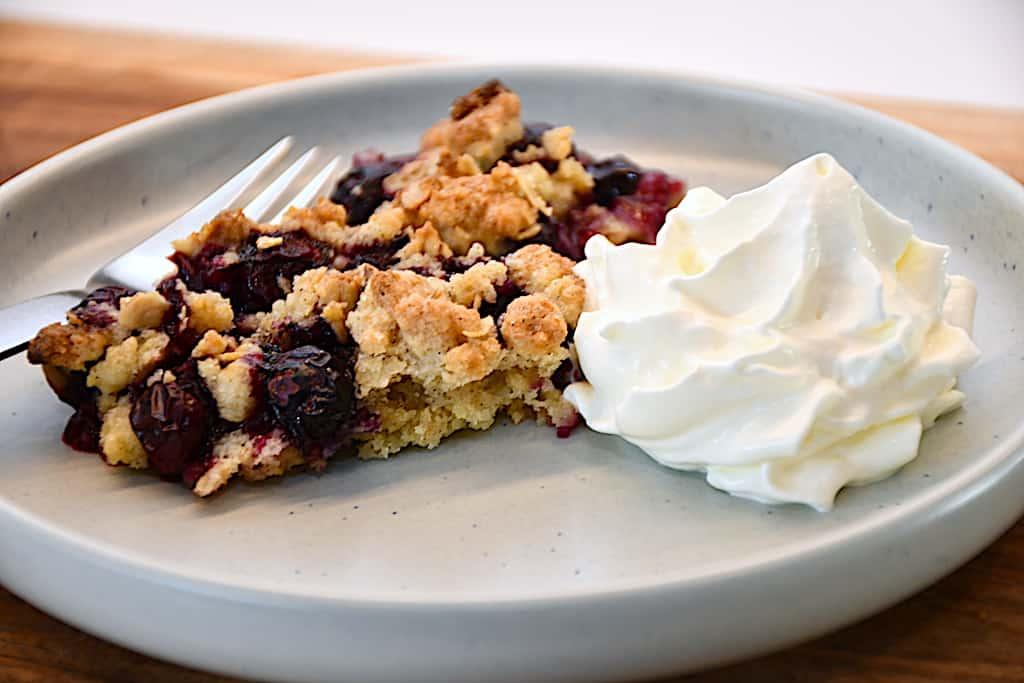 blåbærcrumble kage