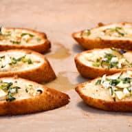 brød med rosmarin og hvidløg