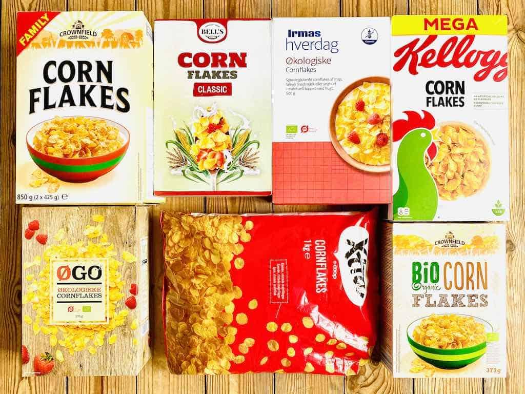 I denne smagstest af cornflakes har vi sammenlignet disse syv forskellige varianter af klassiske cornflakes. Kiloprisen varierer fra 15 til 64 kroner. Foto: Charlotte Mithril