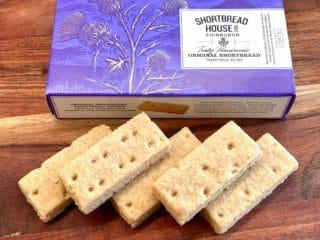 Shortbread kan købes i forskellige varianter i Danmark. Her er det de prisvindende småkager fra Shortbread House of Edinburgh. Foto: Charlotte Mithril