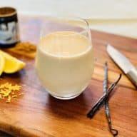 Milkshake med lakrids, citron og vanilje smager skønt og har en frisk smag fra citronen, der giver rigtig god balance til den fyldige rålakrids. Foto: Charlotte Mithril