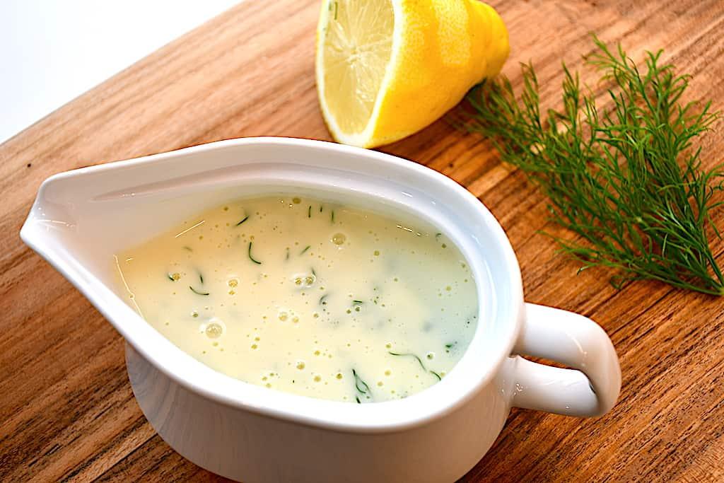 dildsovs med citron og dild er god til fisk og kylling