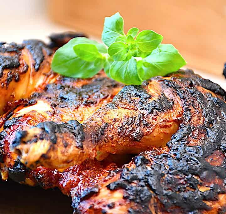 barbecue kylling med hjemmelavet BBQ marinade