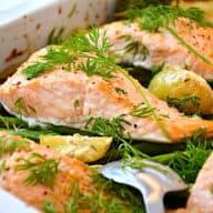 laks med kartofler og grøntsager i ovn