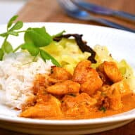 Kylling i paprika flødesovs med ris og spidskål